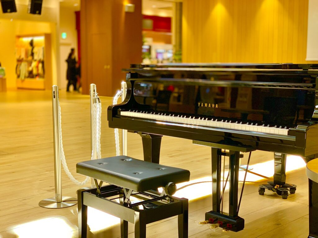 テラスモールのグランドピアノ