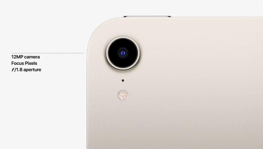 背面のカメラは12MP超広角カメラ搭載