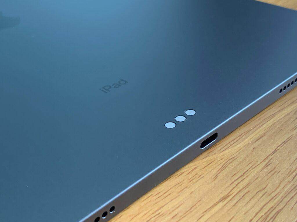 iPad Pro端子とスピーカー