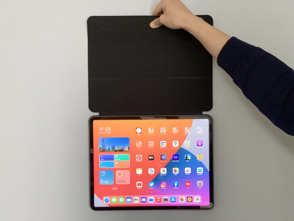 ESR iPad Proケースの吸着力