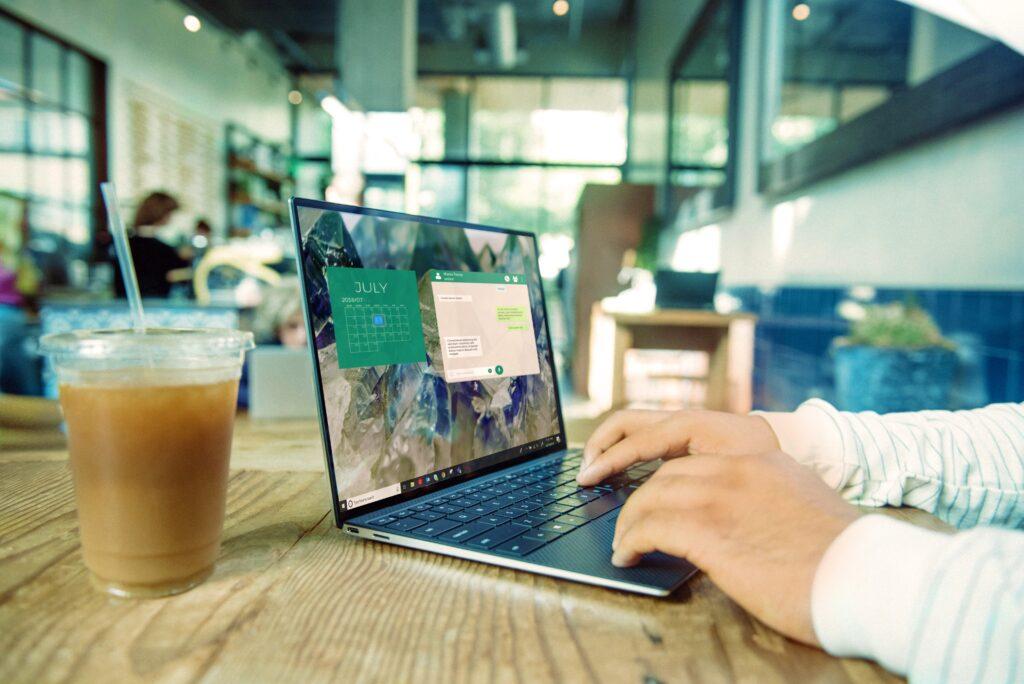 カフェで使うノートパソコン